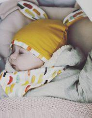 czapka musztardowa z uszami