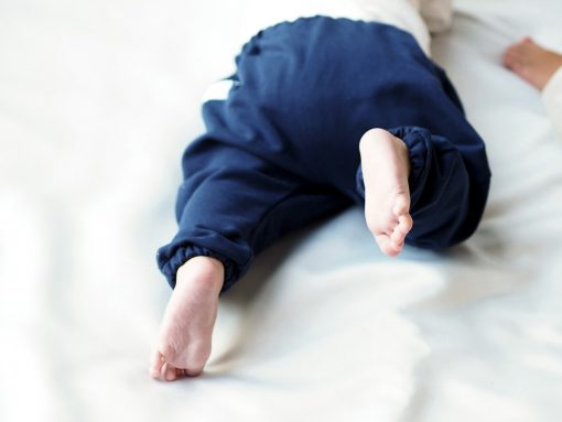granatowe spodnie baggy