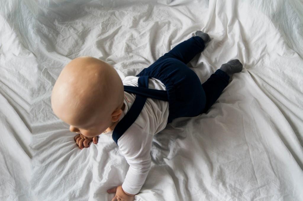 ogrodniczki szelki niemowlaka ubranka