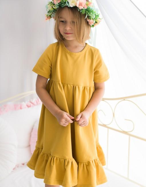 musztardowa-sukienka-z-falbankami-dla-dziewczynki-wiosnenna