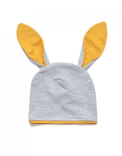 czapka-niemowlęce-z-długimi-uszami-szara-z-muszatrdowym