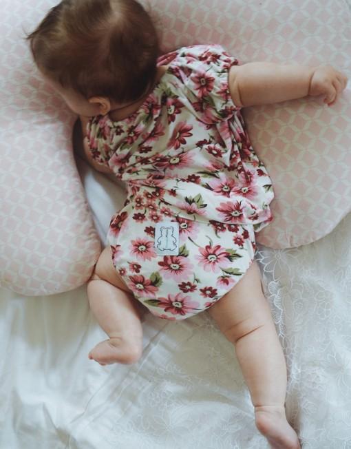 sukienka-niemowlęca-bambusowa-kwiatuszki-bloomersy