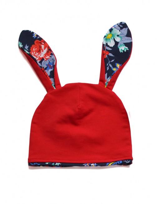 czapka-uszy-królika-czerwona-kwiaty
