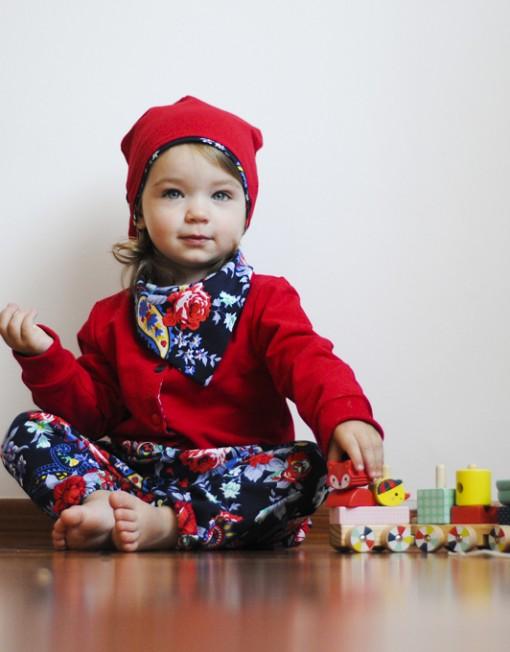 kurtka-czerwona-niemowlęca-baggy-apaszka-czapka-uszy-kwiaty