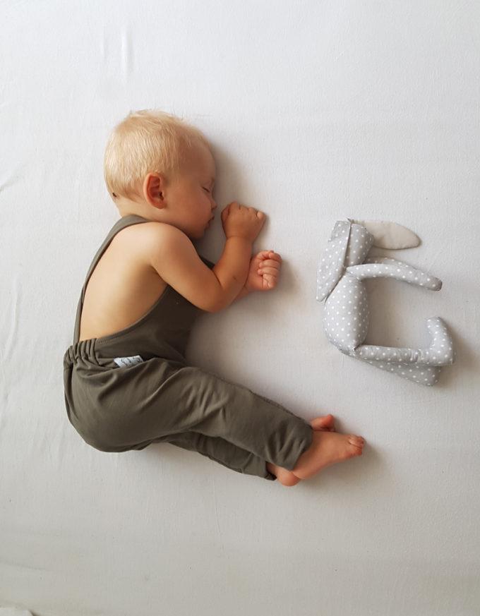 ogrodniczki dla niemowlaka khaki
