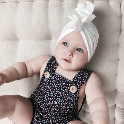 biały turban ogrodniczki dla dziewczynki