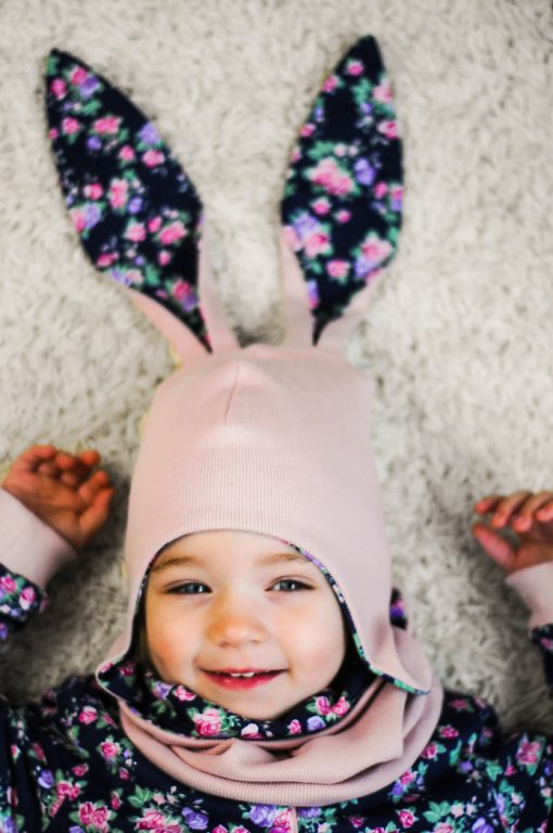 czapka z długimi uszami dla dziewczynki