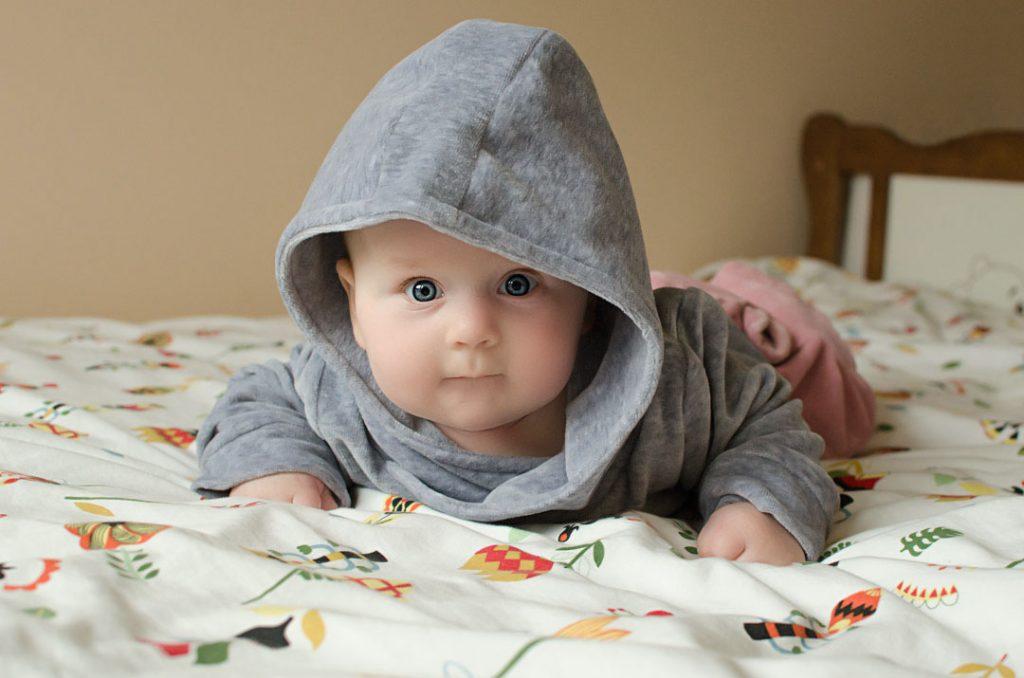 bluza welurowa z kapturem dziecko