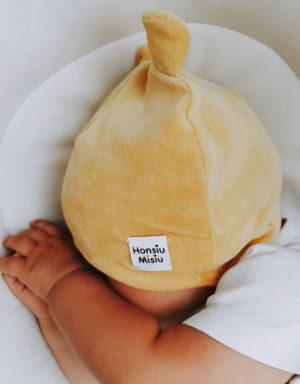 welurowe czapki dla niemowląt