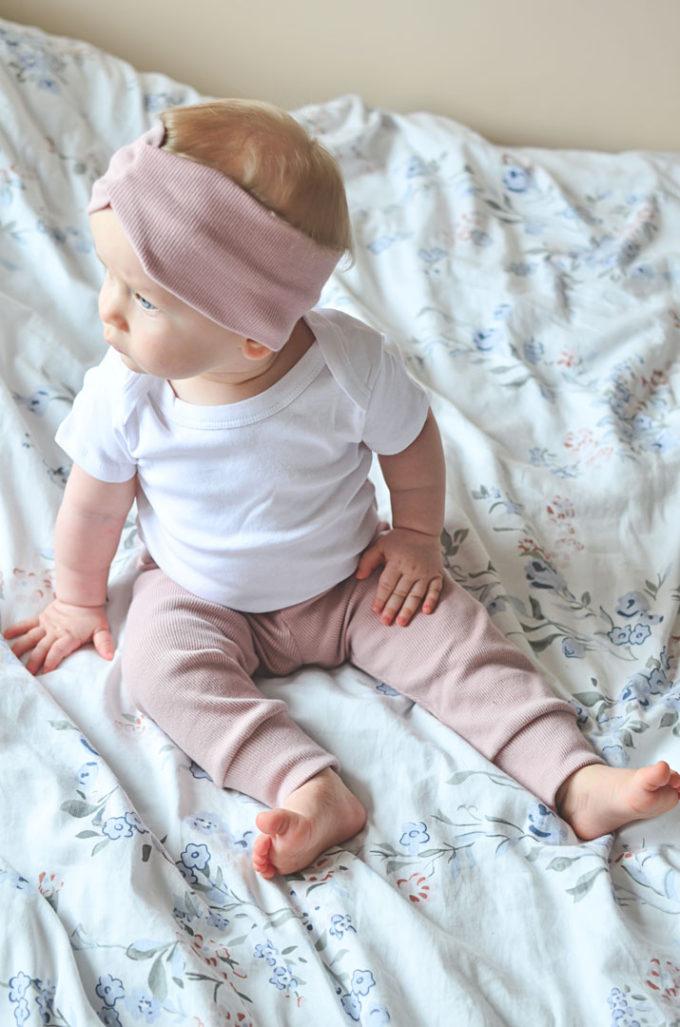 spodnie prążkowane dla dziecka