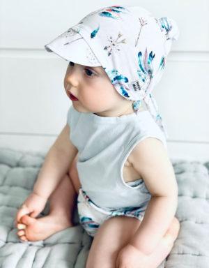 chustka z daszkiem niemowlęca